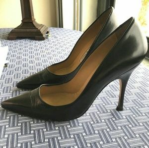 Manolo Blahnik BB Leather Pump